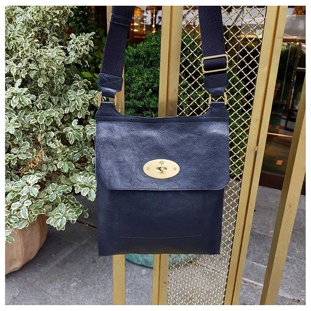 b26473920e7b Get your hands on one of Mulberry  s most iconic handbags
